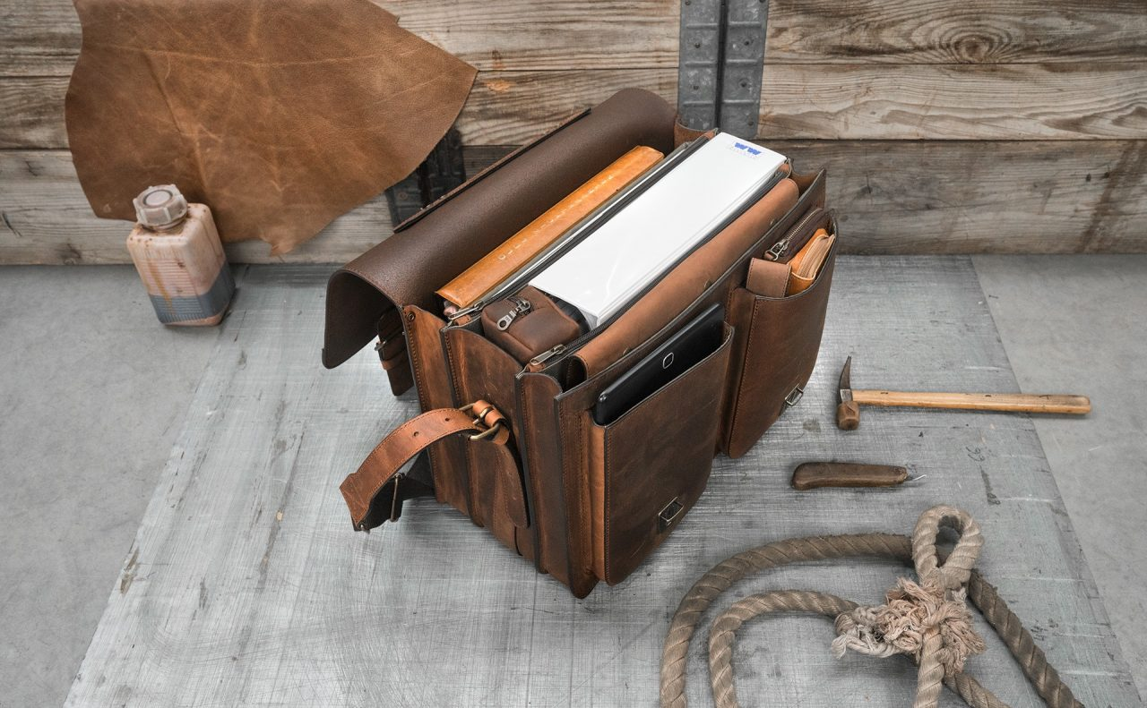 Open Ruitertassen brown leather satchel with laptop pocket.