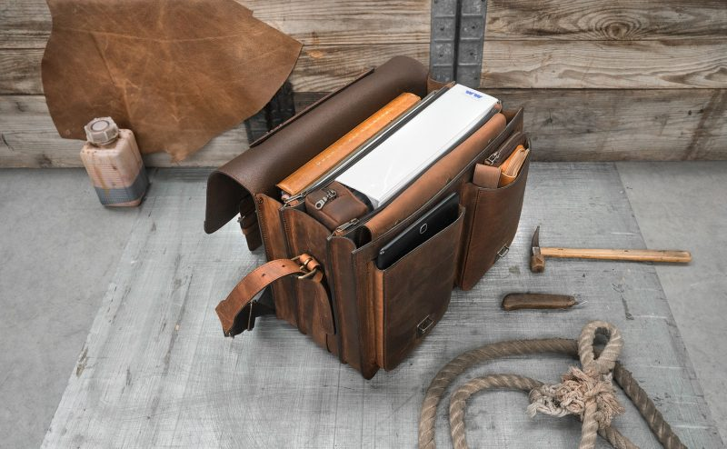 Open Ruitertassen brown leather satchel with laptop pocket.