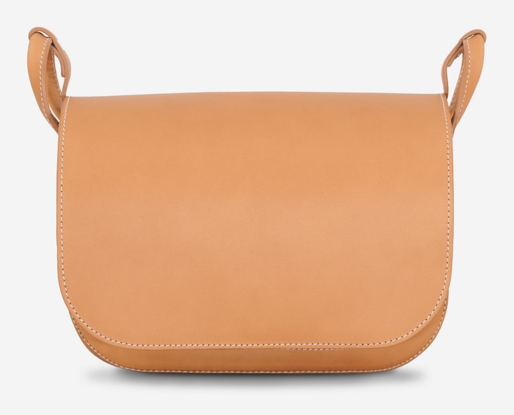 Front of the vegetable tanned leather shoulder bag for women with 2 compartments.