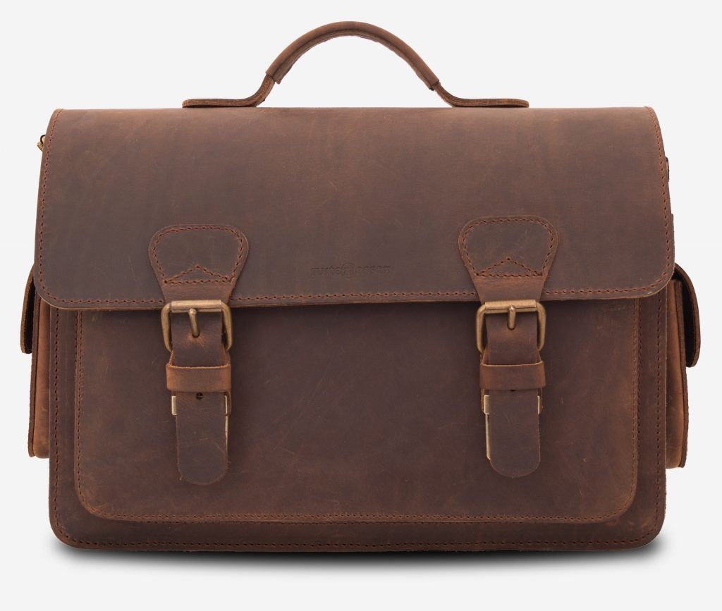 Vegetable tanned brown leather camera bag by Ruitertassen.