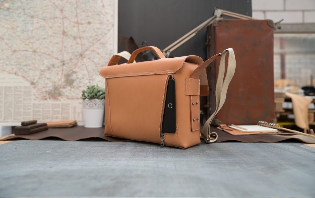 Vegetable tanned leather briefcase bag with laptop pocket and tablet in back pocket - 102177.