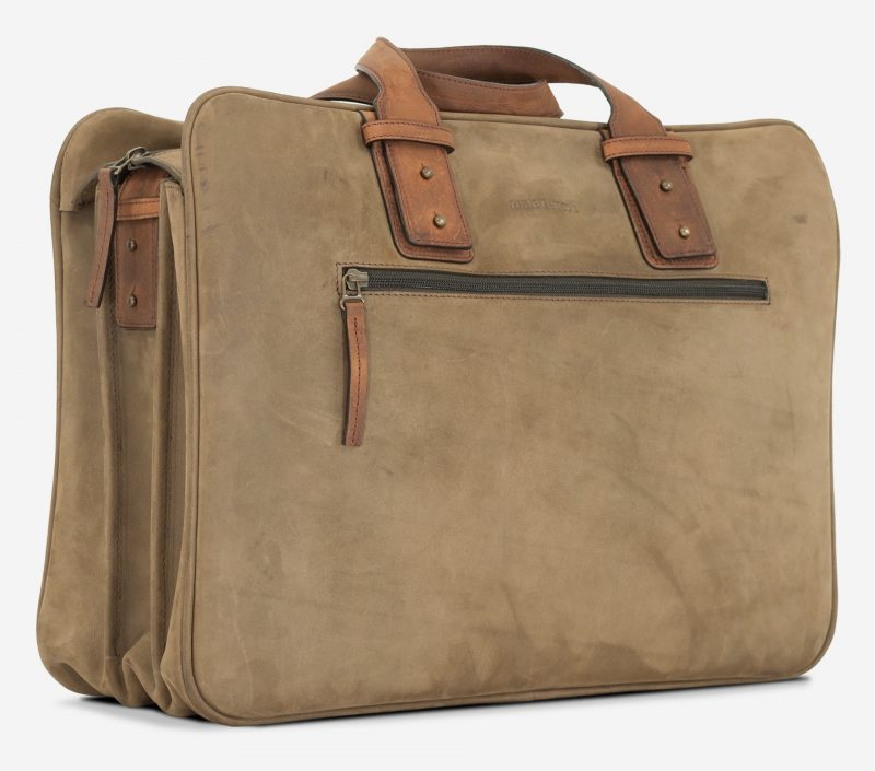"Side view of the 17"" soft leather cabin weekend bag for men."