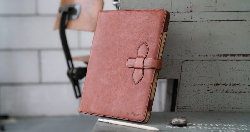 Luxury vegetable tanned leather A4 folio in office.