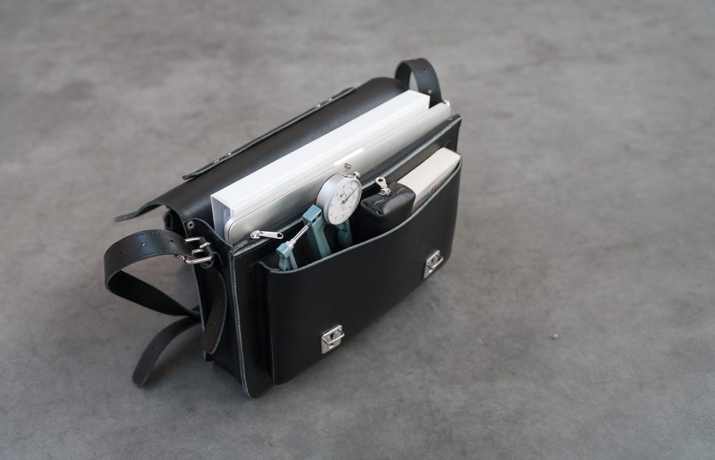Open black leather briefcase with one compartment 112103.
