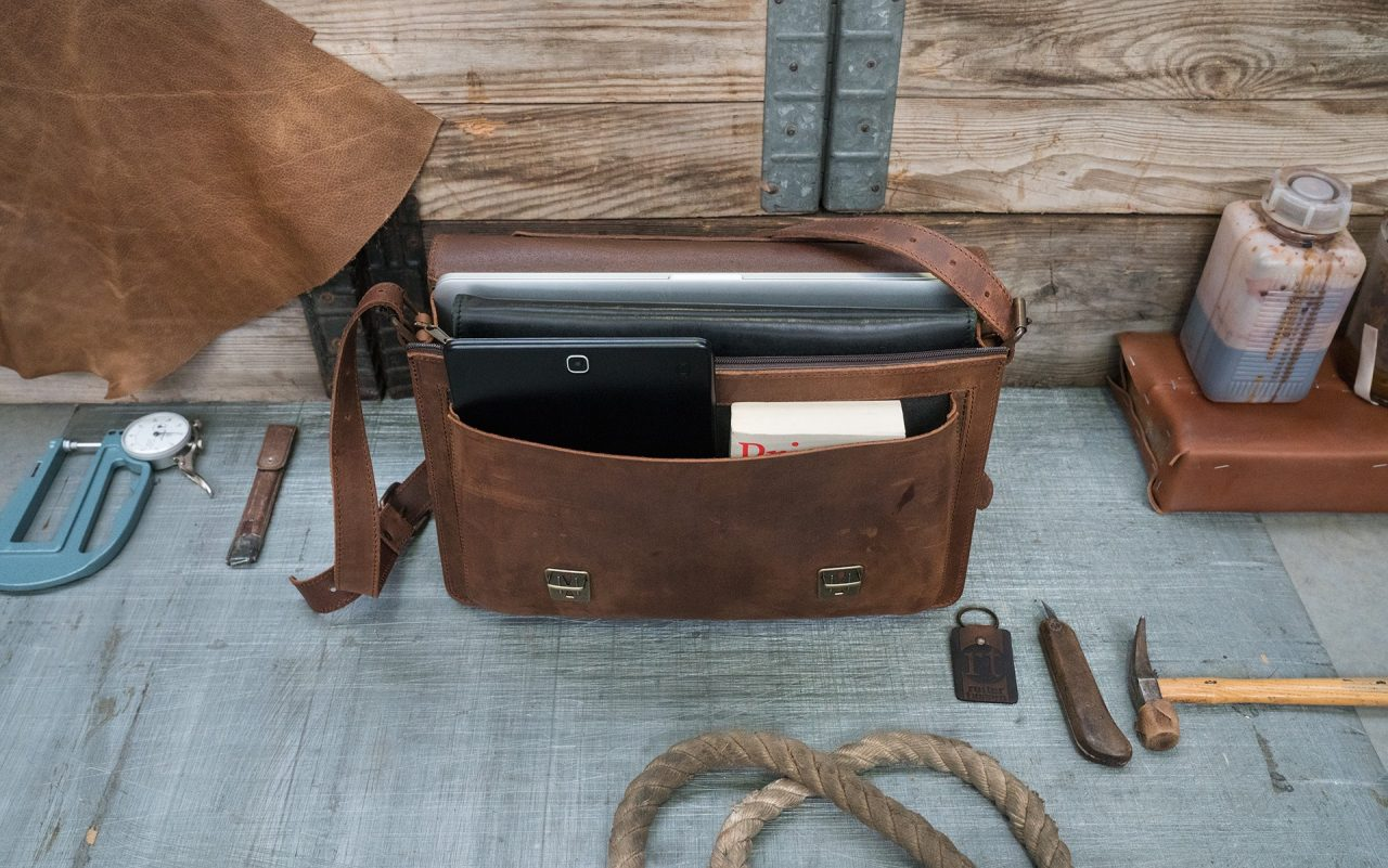 Vegetable tanned leather briefcase 732103
