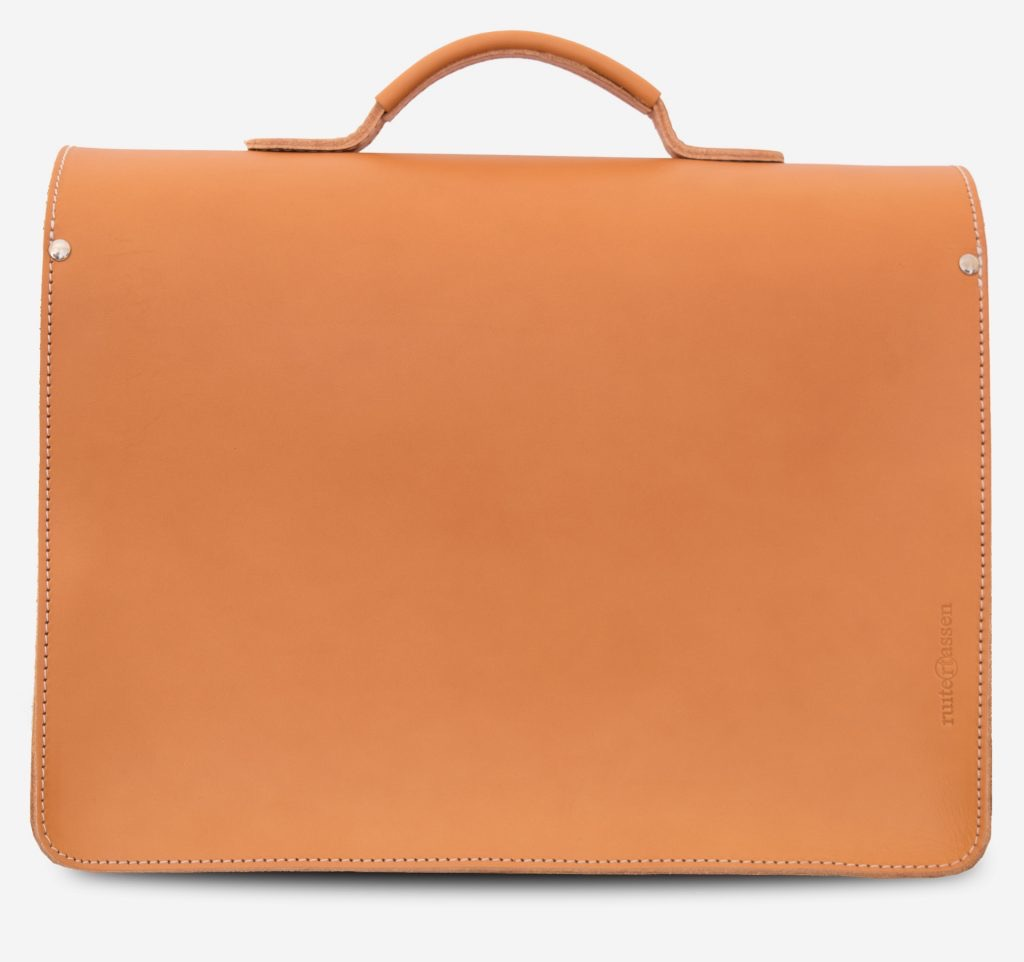 Back view of the large tan leather satchel briefcase with Ruitertassen logo.