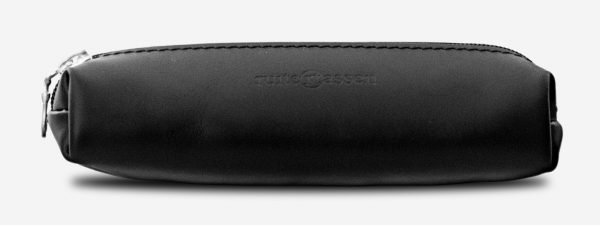 Front view of black leather pencil case 110006.