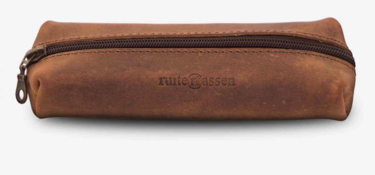 Front view of the vintage leather pencil case.
