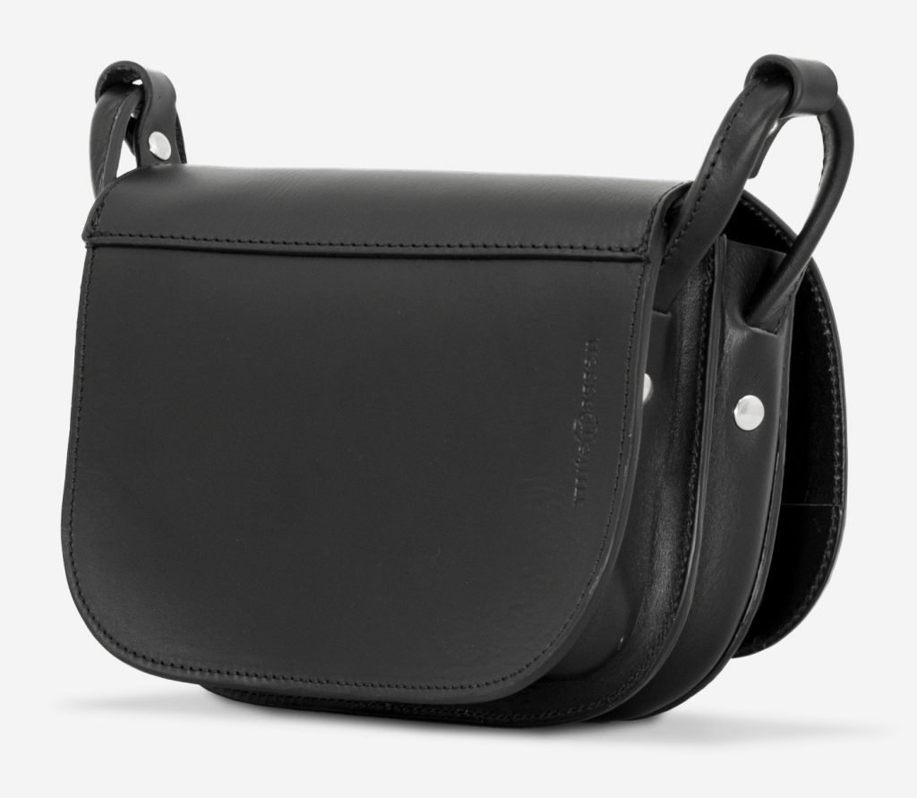Back view of the 2 compartments black leather shoulder bag for women.