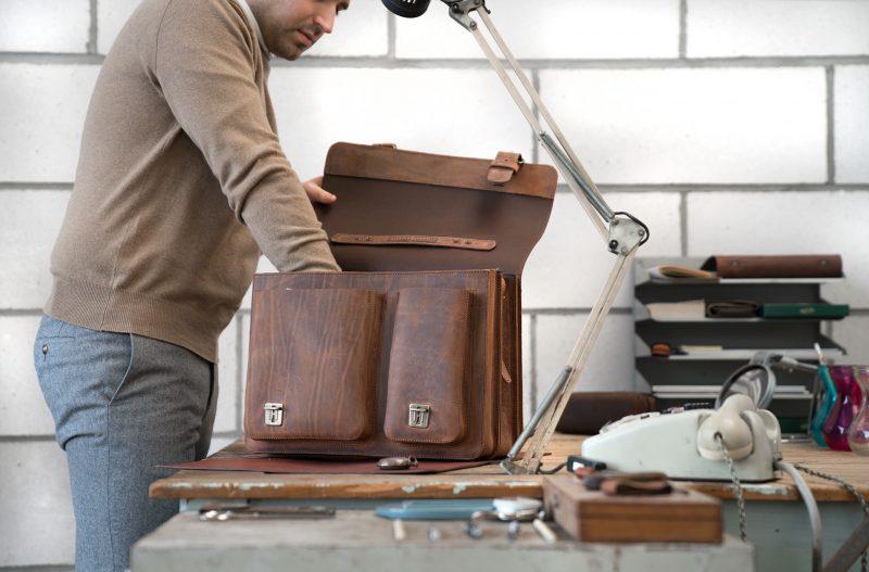 Professor using his brown leather Ruitertassen satchel.