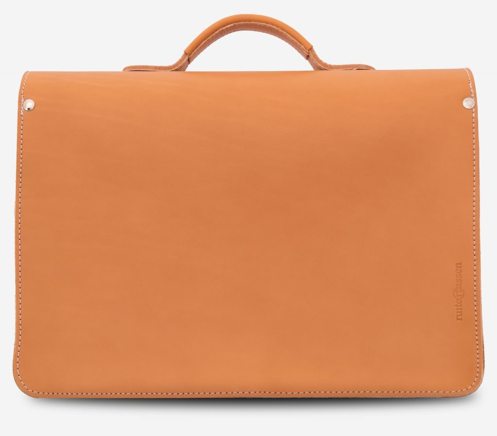 Back view of the student tan leather satchel with Ruitertassen logo.
