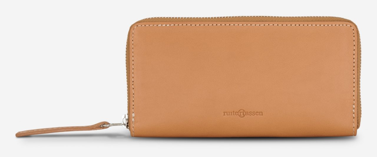 Front of the vegetable tanned leather wallet for women.