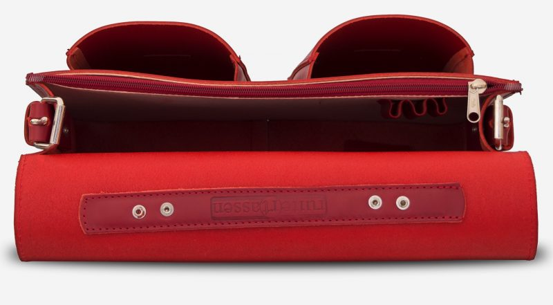 Inside view of red leather briefcase bag with 1 compartment for women - 152131.