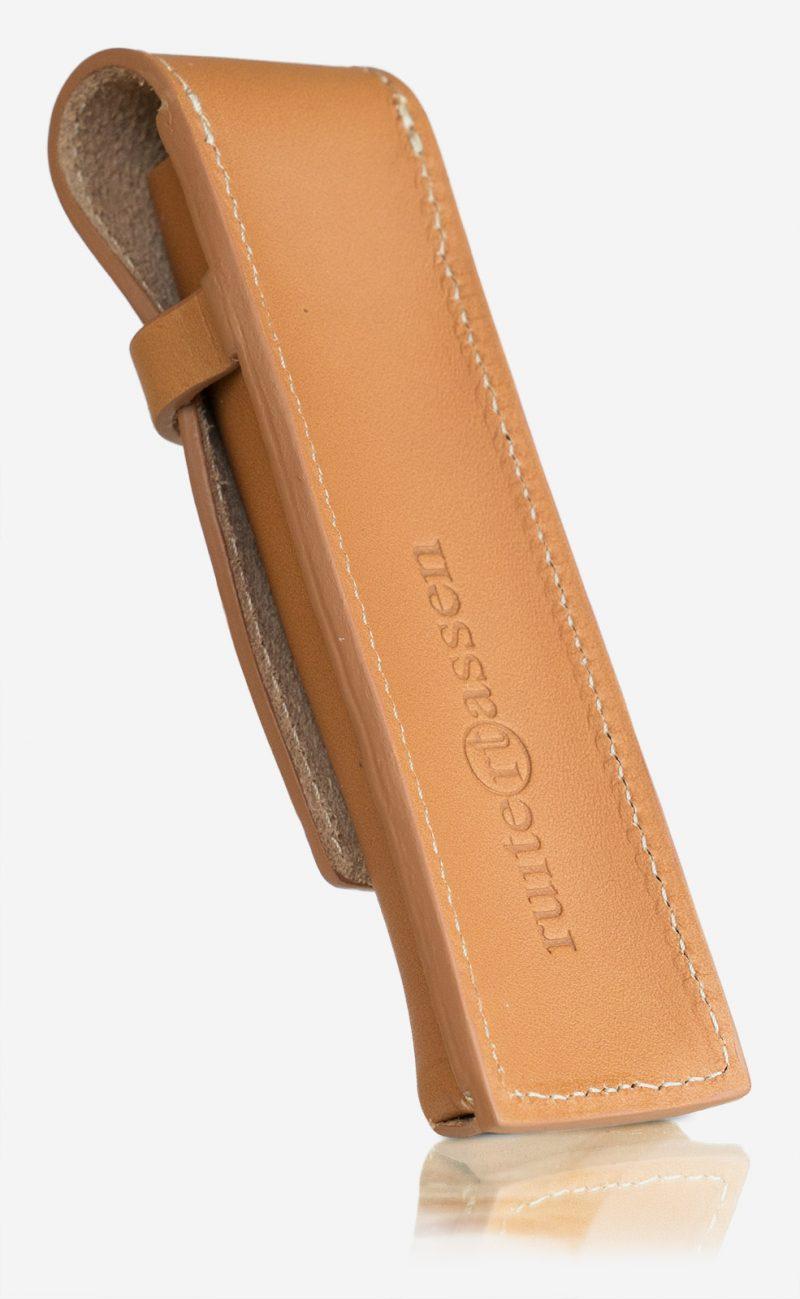Ruitertassen tan leather pen case.