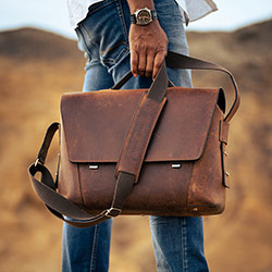 Large vegetable-tanned leather briefcase for men.